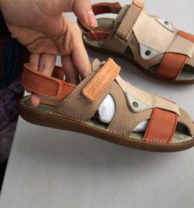 Новые сандали Garvalin
