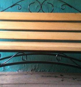 Скамейка парковая с элементами ковки.