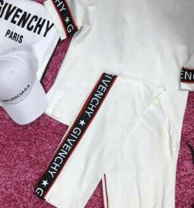 Костюм женский Givenchy