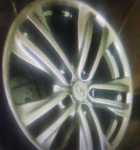 Диски литые бу R18 5x114.3 4шт Infiniti Nissan