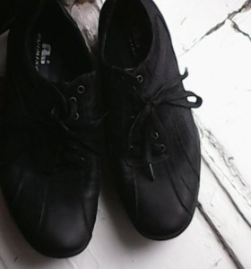 Кросовки на подростка   41 р-р.