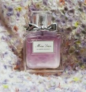 Christian Dior Miss Dior Blooming Bouquet 100мл