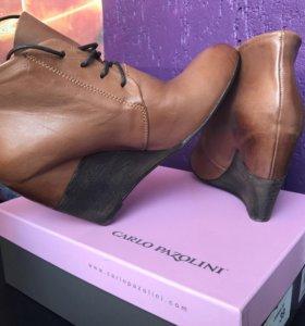 Женские кожаные ботинки Carlo Pazolini