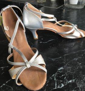 Туфли для танцев. Для Латины