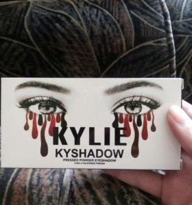 "Тени для век ""Kylie"""