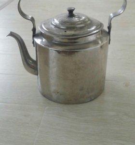 Старинный чайник.
