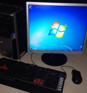 Персональный компьютер+ монитор клавиатура и мышь
