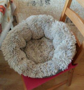 Лежак для собаки или кошки маленьких пород