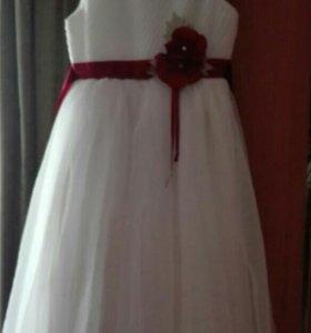 Нарядное платье для девочки, рост 140