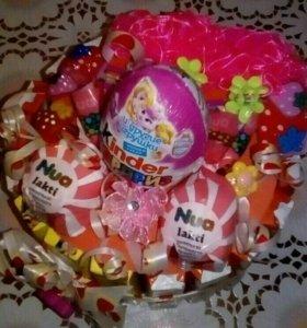 Торт из киндеров, конфет