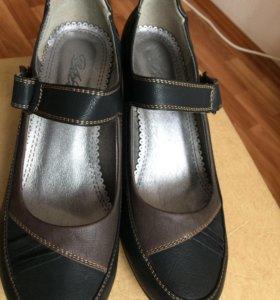 Туфли женские, новые, размер 40