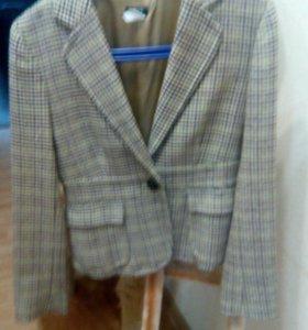 Шерстяной пиджак 44-46