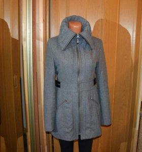 Шерстяное пальто 42