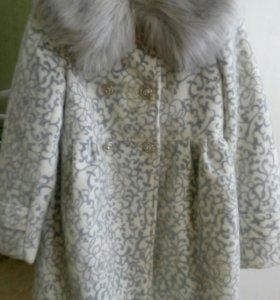 Пальто демисезонное, размер 4, на 3-4года