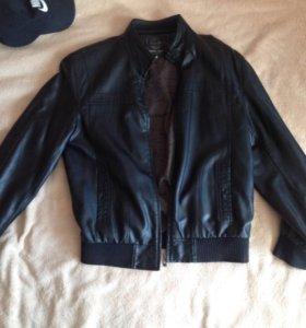 Куртка новая кожанная