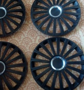 комплект колпаков 15 радиуса в идеальном состояний