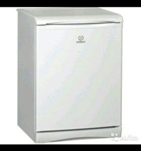Холодильник маленький Indesit