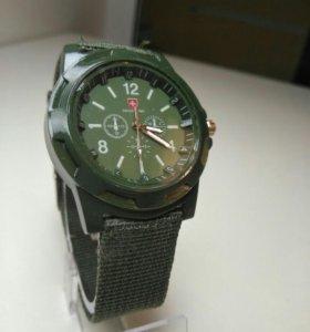 Swiss army часы, цвет хаки, новые