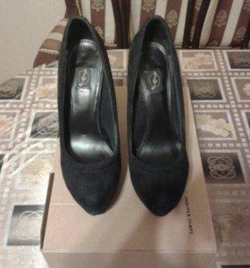 Туфли фирмы Stradivarius