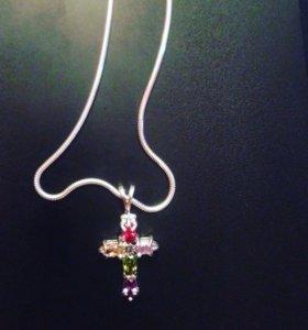 Серебрянная цепочка с крестиком