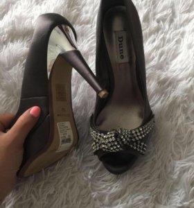 Туфли новые отдам