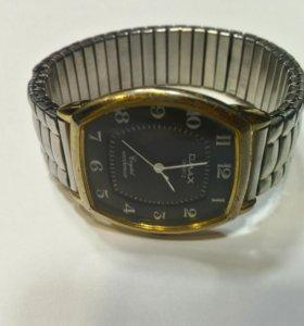 Кварцевые часы Qmax 7737