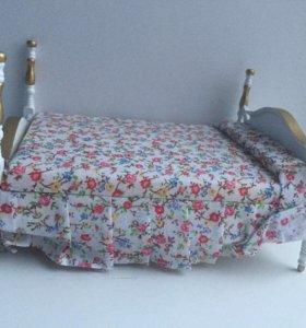 Кровать с обивкой для кукол