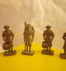 Бронзовын солдатики