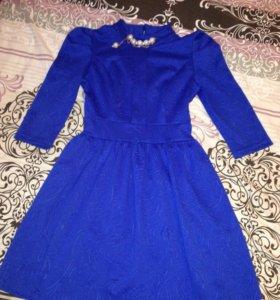 Платье ярко синее