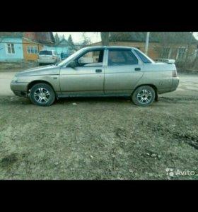 Продаю машину 2110