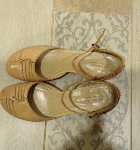 Открытые туфли Carnaby