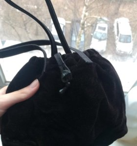 Бархатная чёрная сумочка