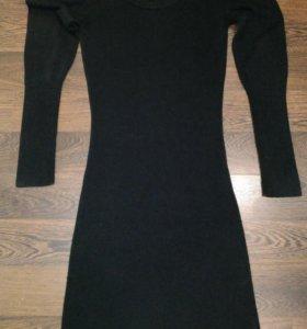 Трикотажное маленькое черное платье
