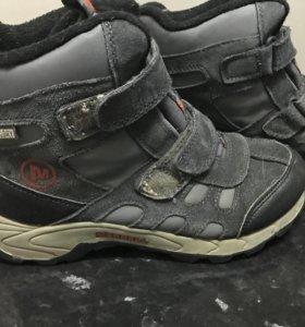 Спортивные ботинки подростковые