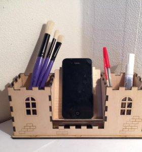 Карандашница и подставка под телефон
