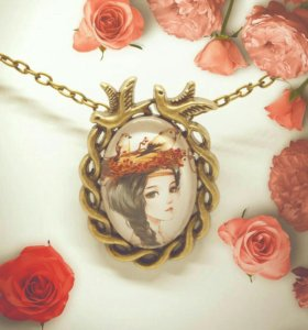 Винтажная подвеска с девушкой, античная бронза