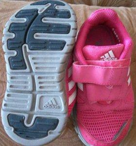 Кроссовки adidas р 22