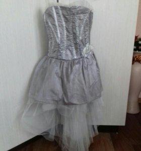 Платье праздничное покупалось за 3500 .