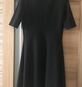 Платье чёрное 44