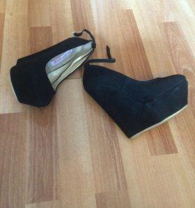 Туфли новые, замш