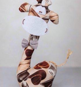 Текстильная, интерьерная игрушка жираф Модник