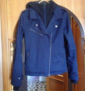 Спортивная тёплая куртка женская