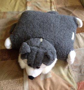 Игрушка-подушка енот
