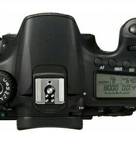 Цифровая зеркальная камера Canon EOS 60D+объектив