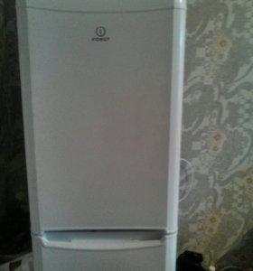 Холодильник indesit B16 FNF
