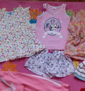 Одежда  для девочки рост 122 пакетом