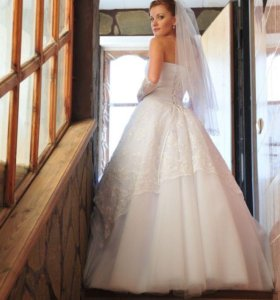 Продам свадебное платье (в чехле)
