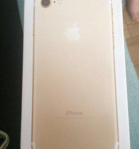 iPhone 7 золото