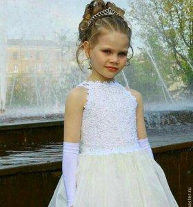 Детское, белое платье.