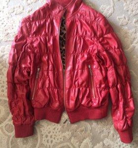 Куртка кожаная для девушки